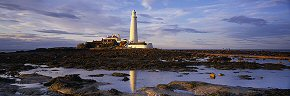 evening light on st mary's lighthouse